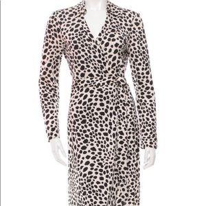 (NWOT) Diane Von Furstenberg • Wrap Dress (Size 6)